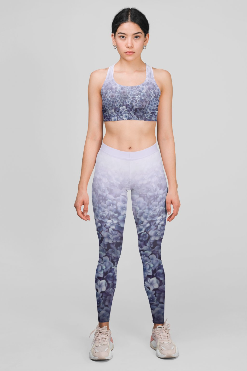 mockup featuring a woman wearing a sports bra and leggings at a studio 28720 (1)