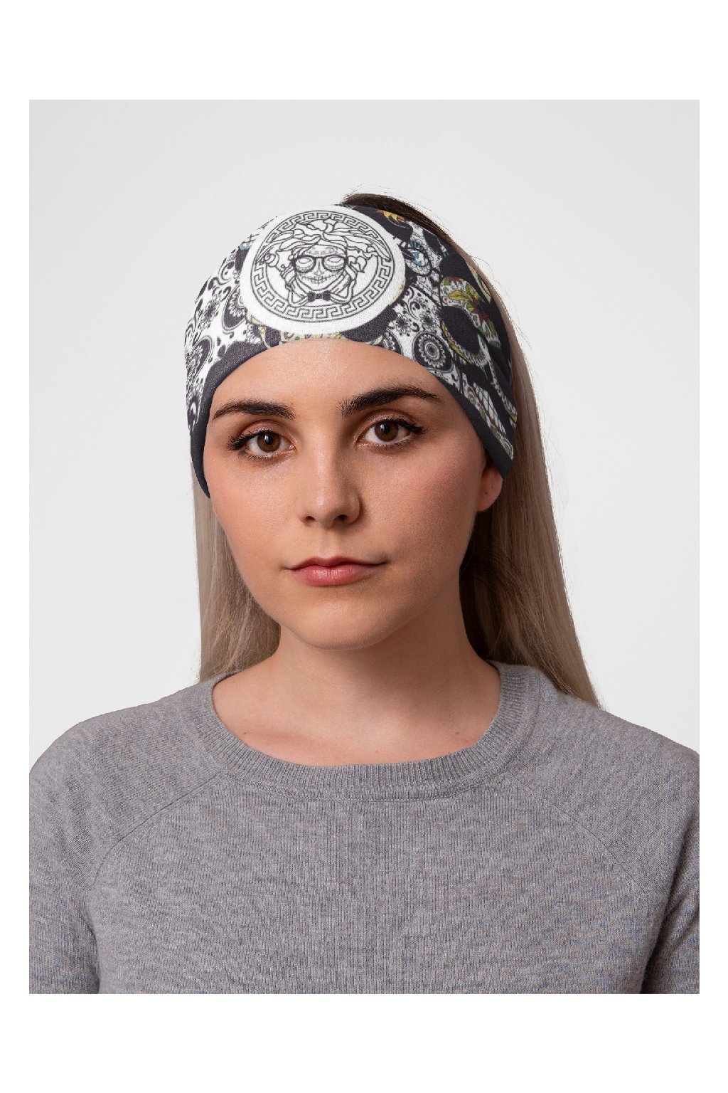 mockup of a woman at a studio with a tubular bandana on her head 36078 (5)