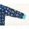 Dětské pyžamo kopačky a fotbalisti detail rukávu