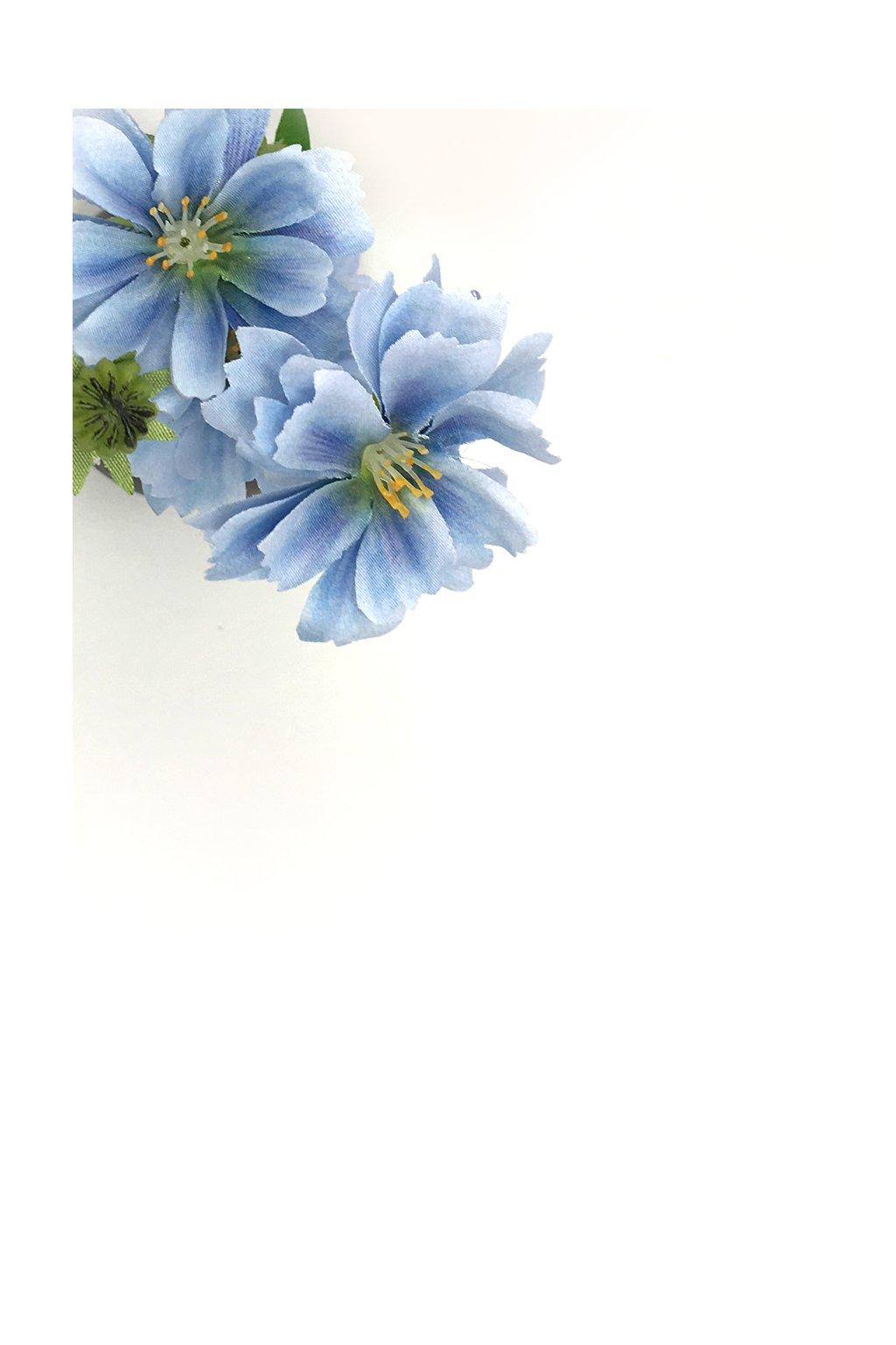 Květina umělá kvetoucí