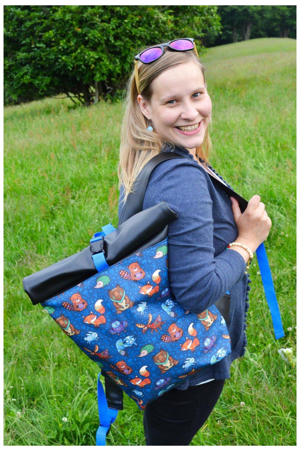 Roll Up batoh Lesní zvířátka - modrá