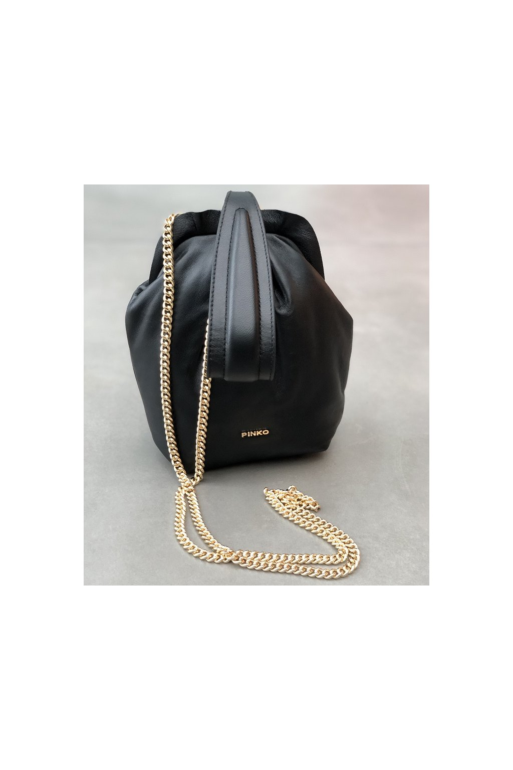1P2238 Y6Y8 Z99 Dámská kabelka Pinko Soft Pouch Fraimed Chain Fl černá