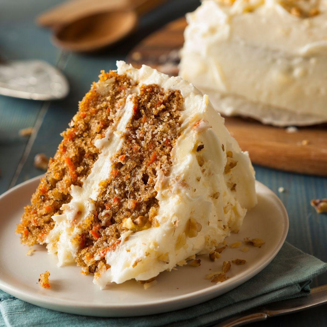 Mrkvový dort se slaným karamelem, vanilkou a cejlonskou skořicí