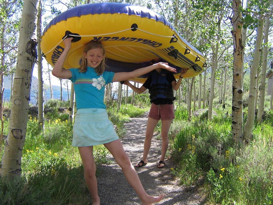 rubber-boat-442112_960_720