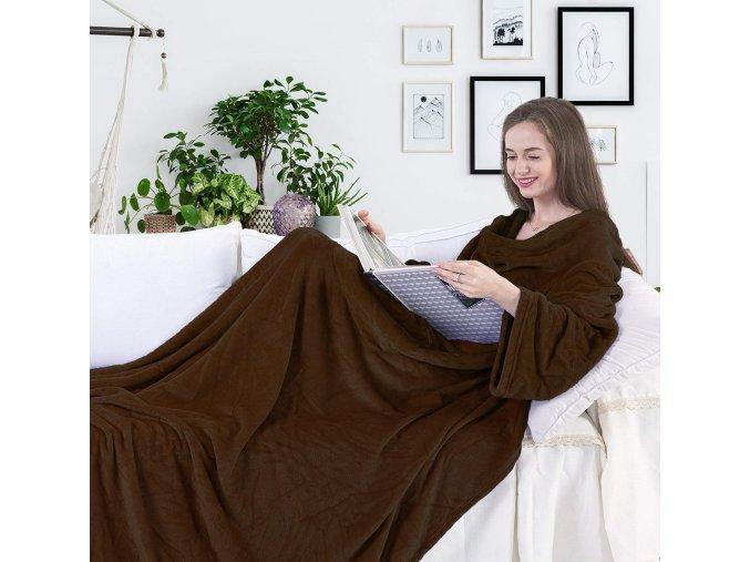deka s rukavy k televizi televizní deka pončo krémová bílá hnědá měkká dárek vašenebe vaše nebe eshop brno skladem levně levná