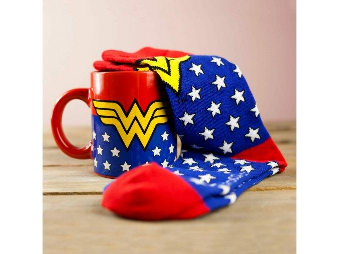 845605 Wonder Woman Mug and Socks Set 1