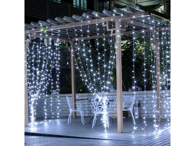 Velký svítící závěs s 320 LED světýlky