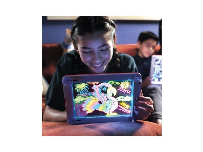podložka na kreslení malování pro dětí 3d 4d se světlem led tabulka dárek pro děti skladem brno eshop vaše nebe vašenebe Magic Pad 6 400x400