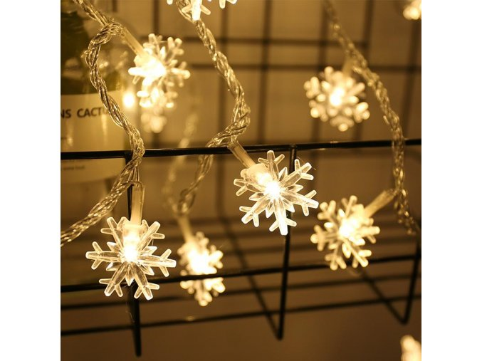 vlocky led svitici rezet na stromecek ozdoba dekorace inspirace pinterest
