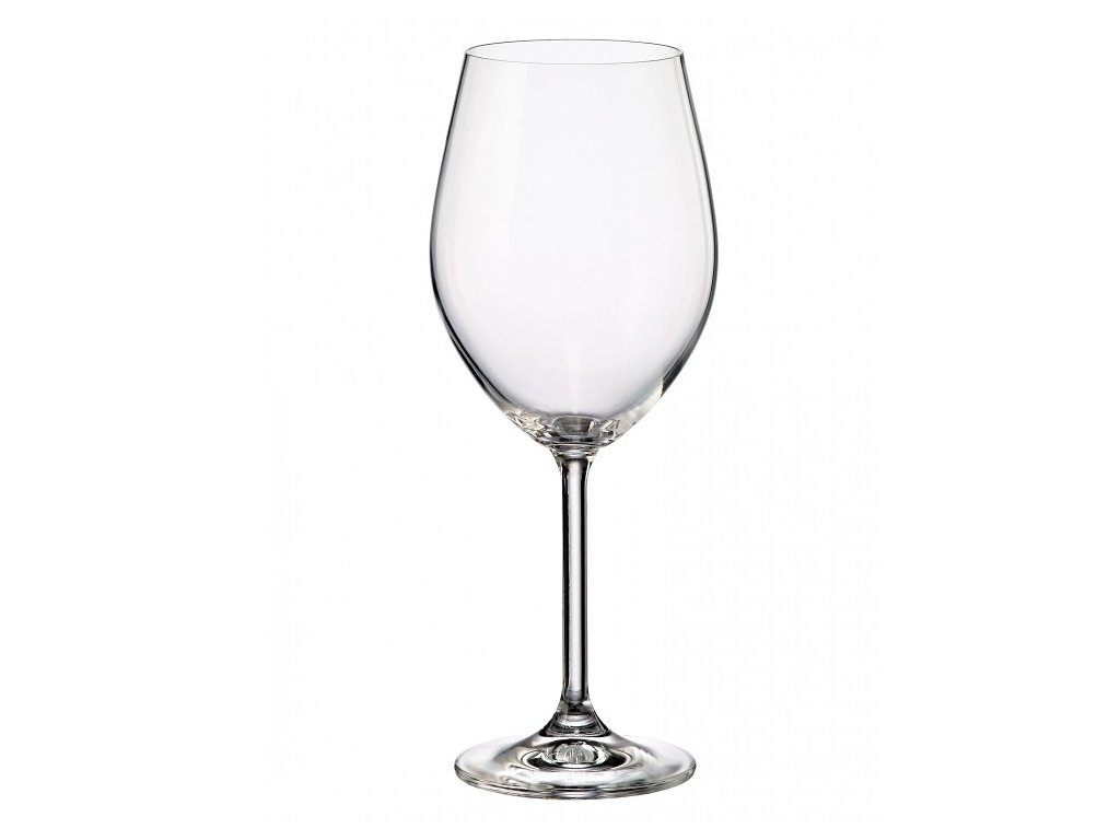 sklenice na ruzove vino