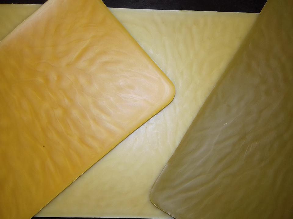 Různé vosky, různá barva