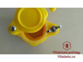 Plastový kohout žlutý
