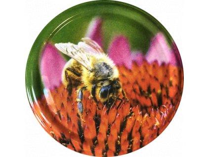 Včelka na červeném květu