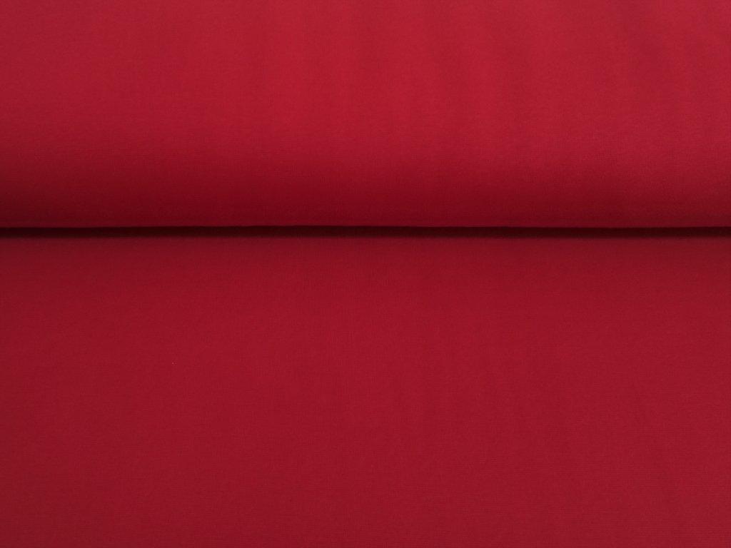 matně červený