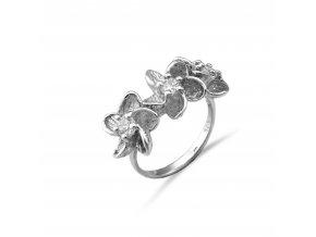 Stříbrný prsten kytička s bílými zirkony 132