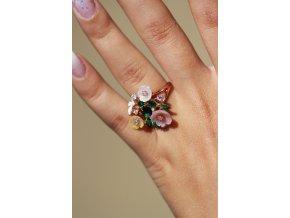 Prsten rozkvetla zahrada 49