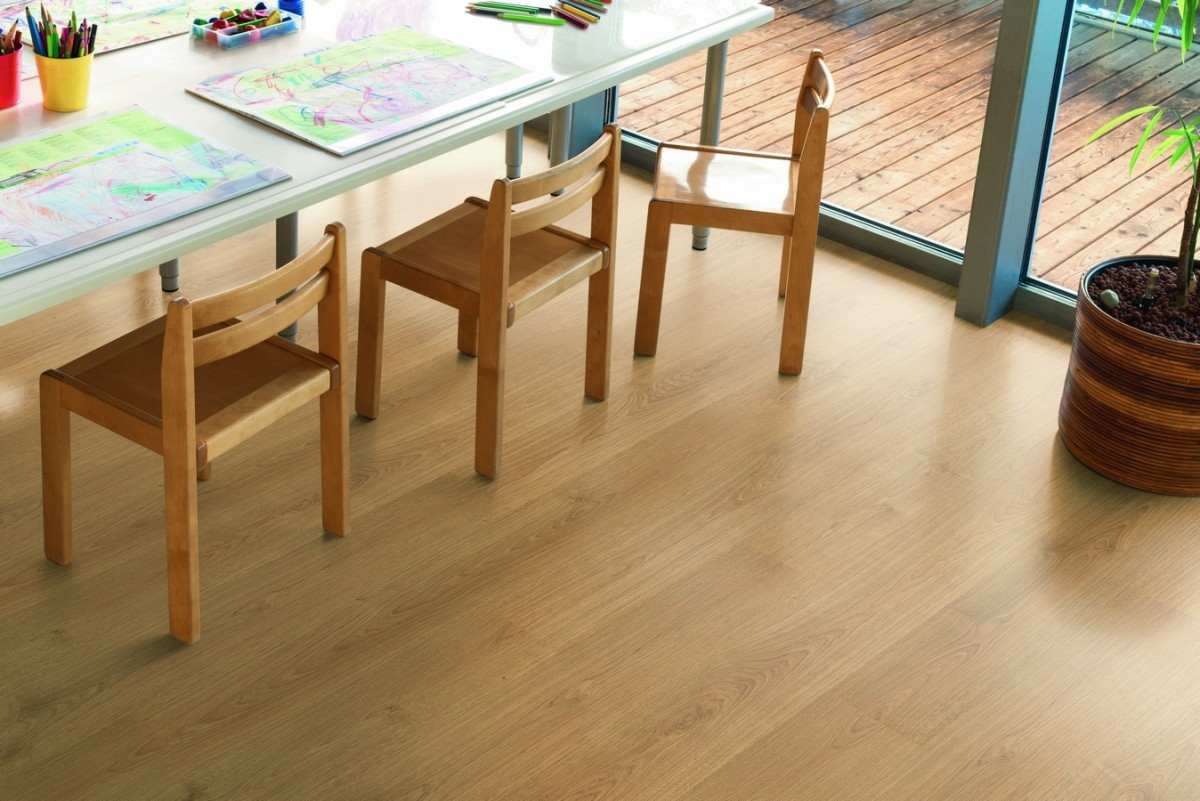 02pi_ap_ph_flo_preschool_detail_chairs_classic_epl098_st54