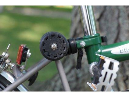 Easy Wheels on bike