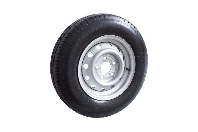 Disky, pneu, kola, dřžáky rezervních kol