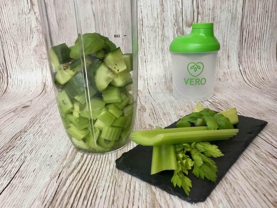 Smoothie - řapíkatý celer & okurka
