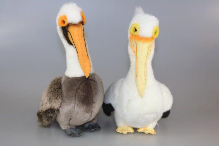 Plyšový pelikán
