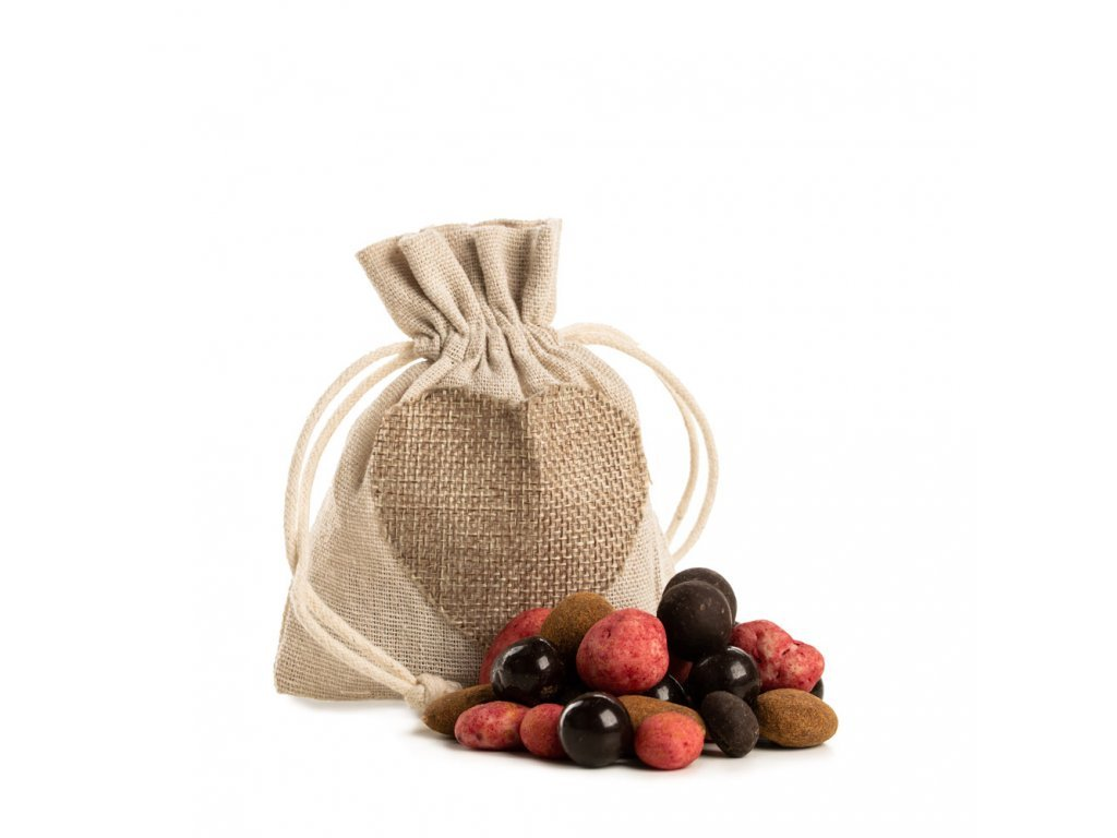 870 darek pytlik pozornost delikatesa smes obalovynych orechu a malin a kavy v cokolade jpg