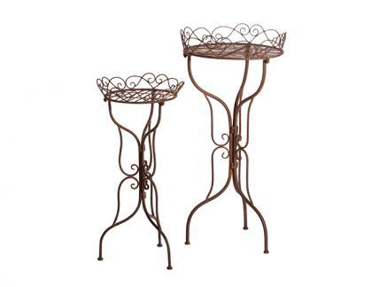 Stoly a stolky na květiny