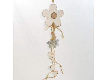 Dřevěná dekorační kytka s kytičkami a srdíčky 2
