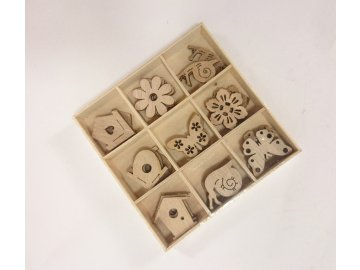 Dřevěné jarní ozdoby | 2x2cm | sada 27ks