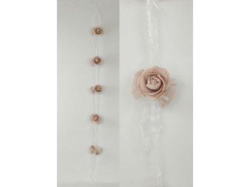 Girlanda z 5svazků růžiček po 3 květech  na stuze, barva lila , umělá dekorace