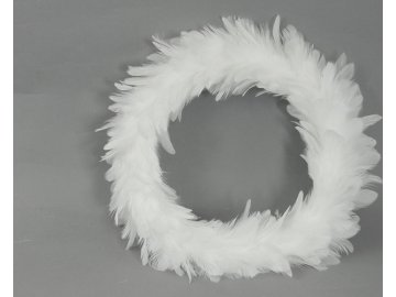 Věnec z peří, barva bílá