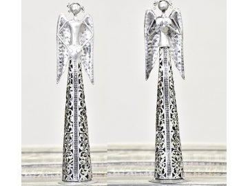 Plechový anděl s krajkou a srdíčkem 25,5 cm