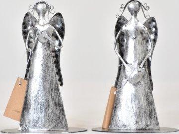 Plechový anděl Tiel se srdíčkem, stříbrný 11,5 cm