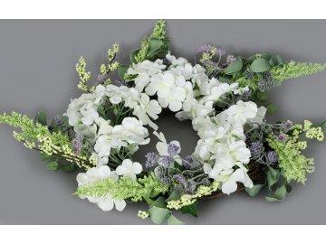 Věnec proutěný s umělými květinami,  jarní dekorace, barva béžová