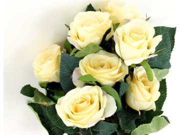 Růže, puget, barva smetanová. Květina umělá.