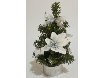 Stromeček ozdobený, umělá vánoční dekorace, barva stříbrno-bílá