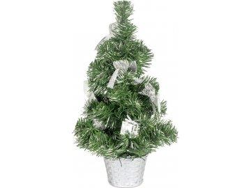 Stromeček ozdobený, umělá vánoční dekorace, barva stříbrná