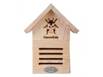 Dřevěný domeček pro berušky