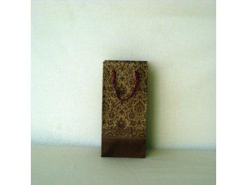 DÁRKOVÁ TAŠKA NA VÍNO. ROZMĚRY 10 × 7 × 21 cm