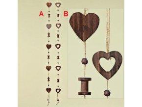 Dřevěná girlanda srdce
