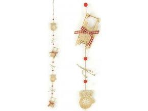 Girlanda, vánoční dekorace s dřevěnými palčáky a sáňkami