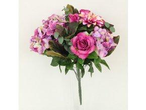 Puget umělých květin růžový