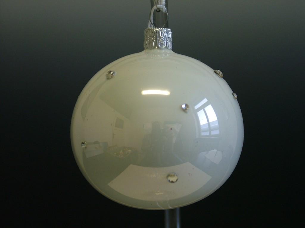 Slezská tvorba Skleněná koule | bílý porcelán | dekor se šatony Velikosti: 7cm, Balení obsahuje: 6 kusů