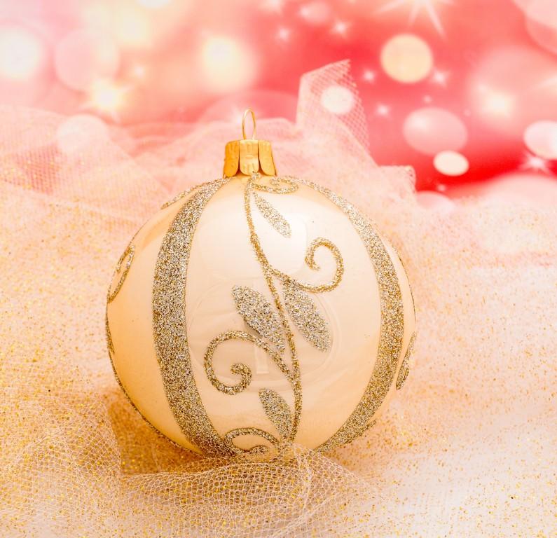 Slezská tvorba Skleněná koule | krémový porcelán | zlaté spirály Velikosti: 6cm - 6 ks