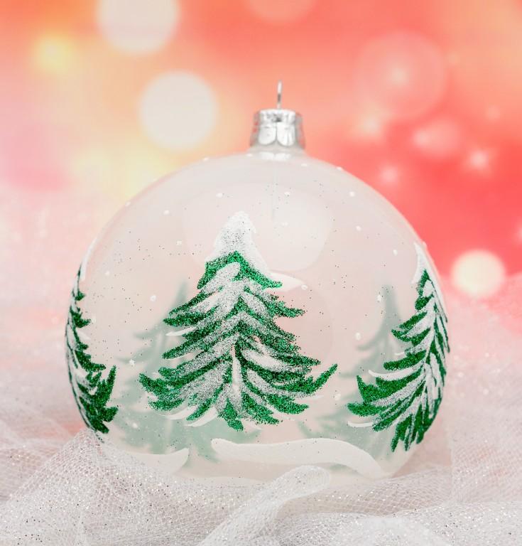 Slezská tvorba Skleněná koule | bílý porcelán| zelené stromy Velikosti: 7cm - 6 ks