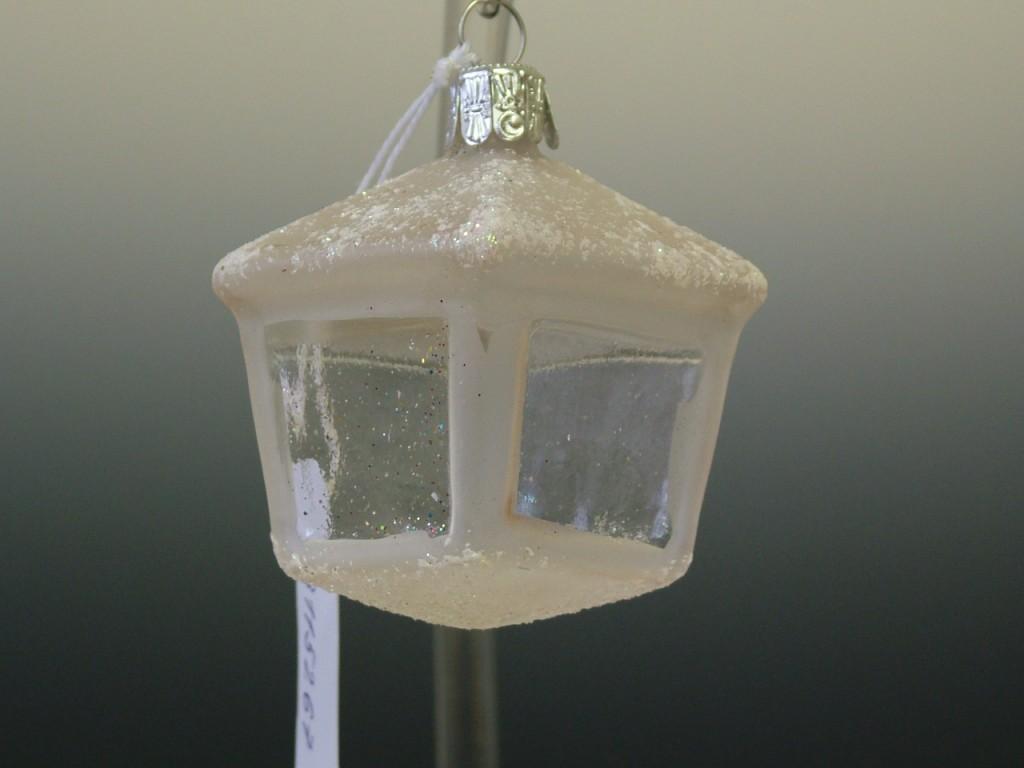 Slezská tvorba Skleněná figurka   lucerna hranatá   bílý mat Velikosti: 1 ks