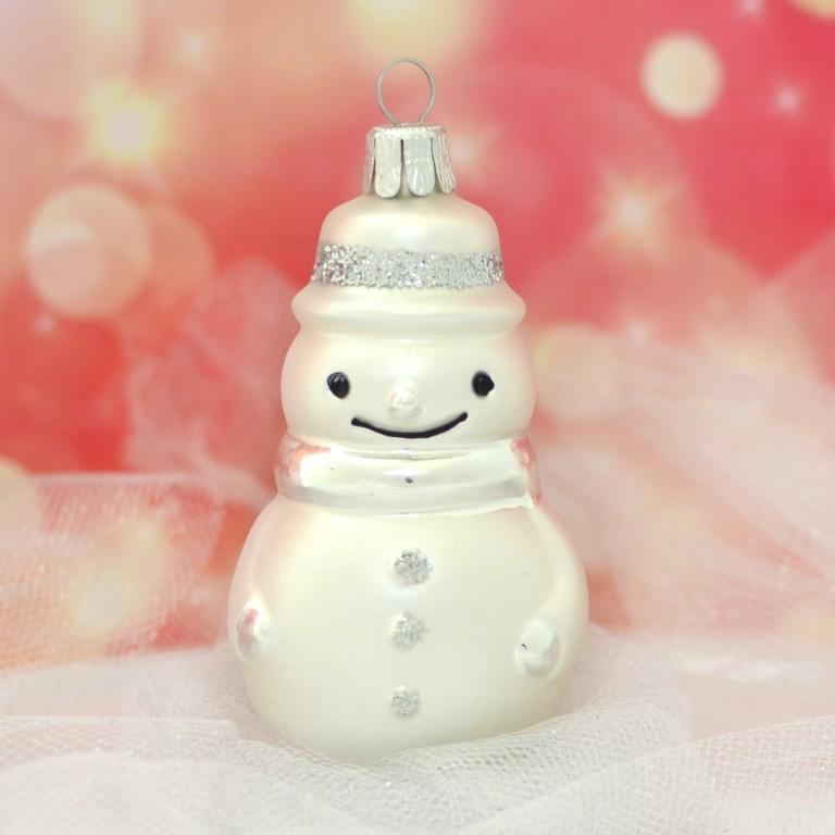 Slezská tvorba Skleněná figurka   sněhulák   bílý mat Balení obsahuje: 1 kusů