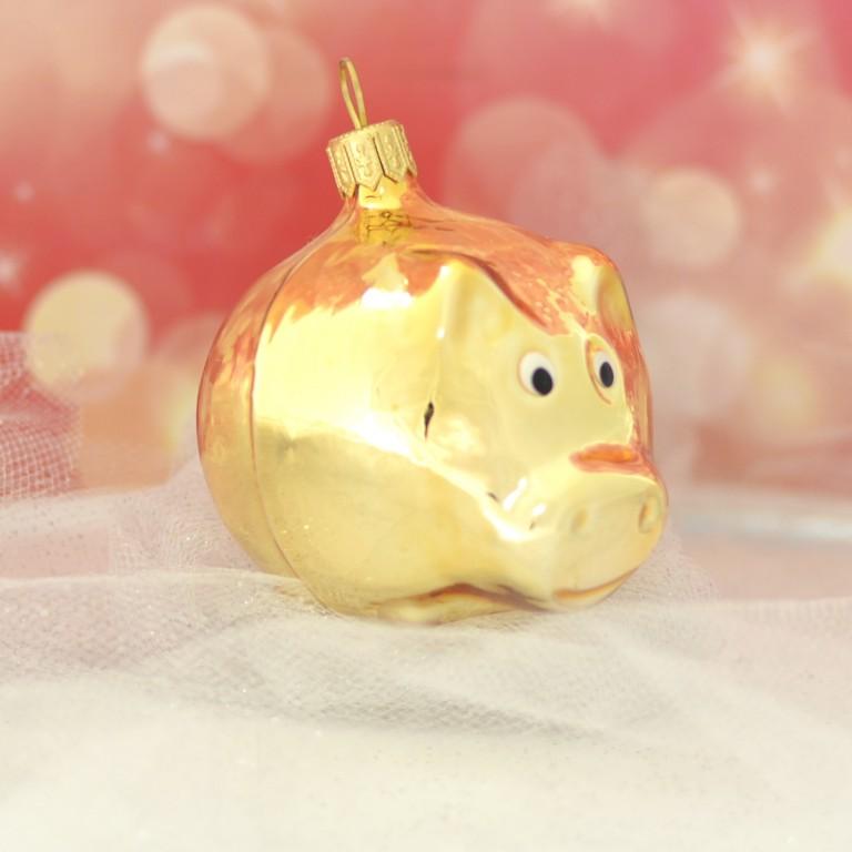 Slezská tvorba Skleněná figurka | zlaté prasátko pro štěstí Balení obsahuje: 3 kusů