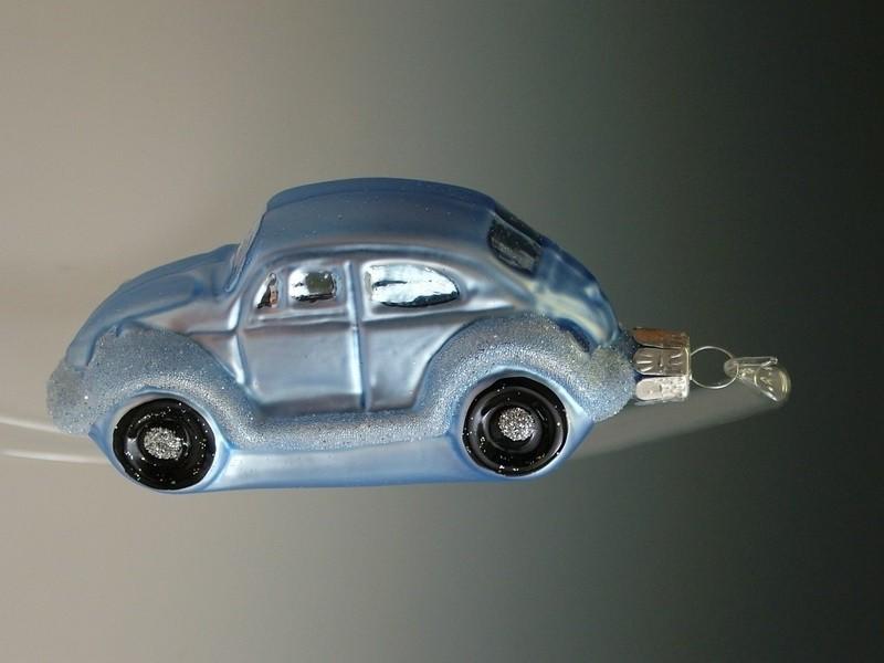 Slezská tvorba Skleněná figurka | světle modré auto brouk Balení obsahuje: 3 kusů