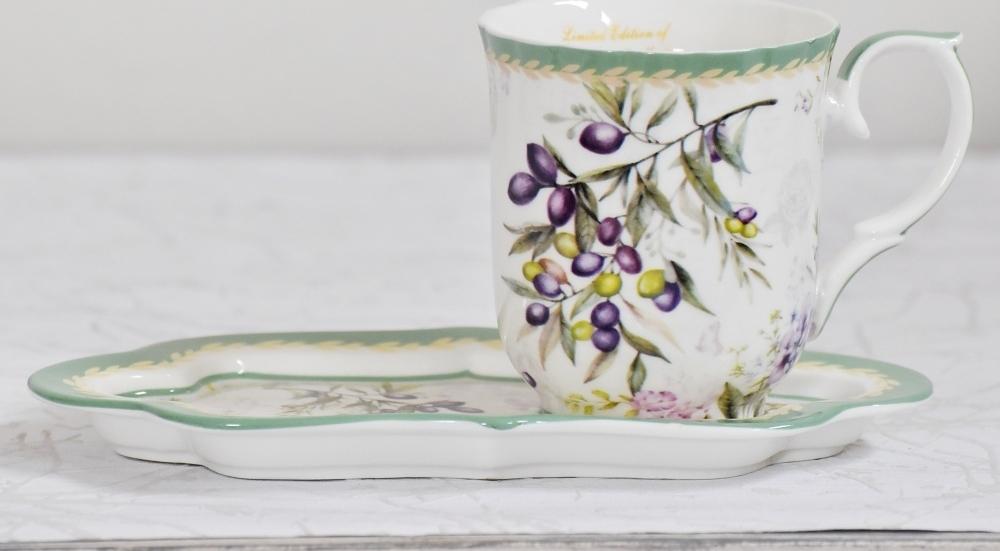 Harasim Hrnek s podtalířkem Olive   porcelán   300ml